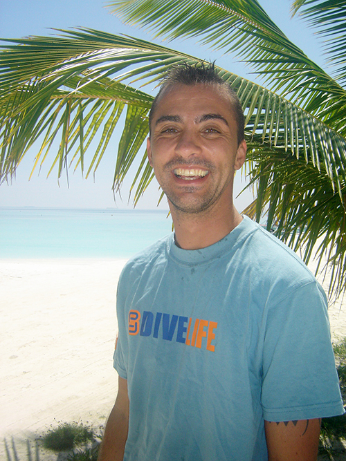 2005 arriving in maldives