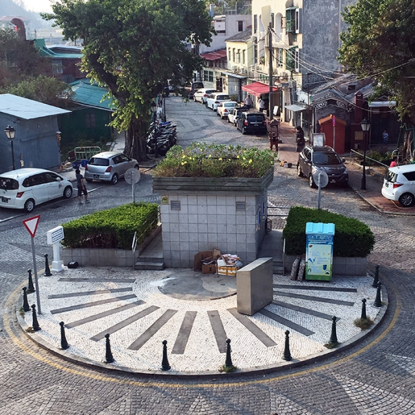 little roundabout